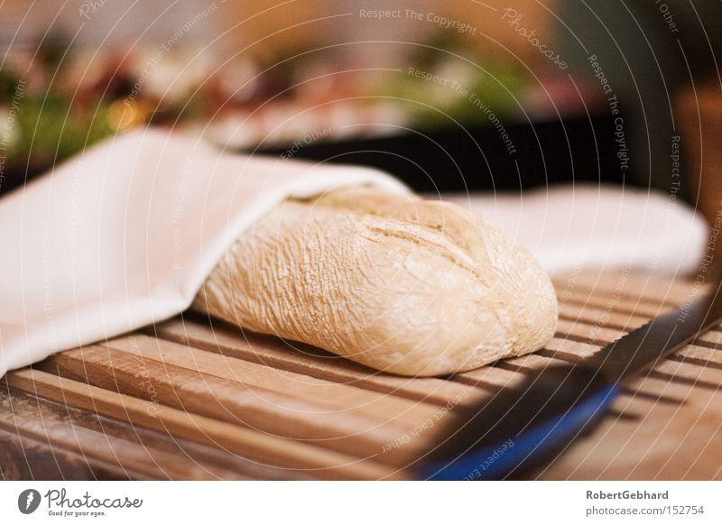 Brotzeit Messer Schneidebrett Vesper Serviette Holz Büffet geschnitten Scheibe frisch Backwaren Ernährung gebacken ciabatta