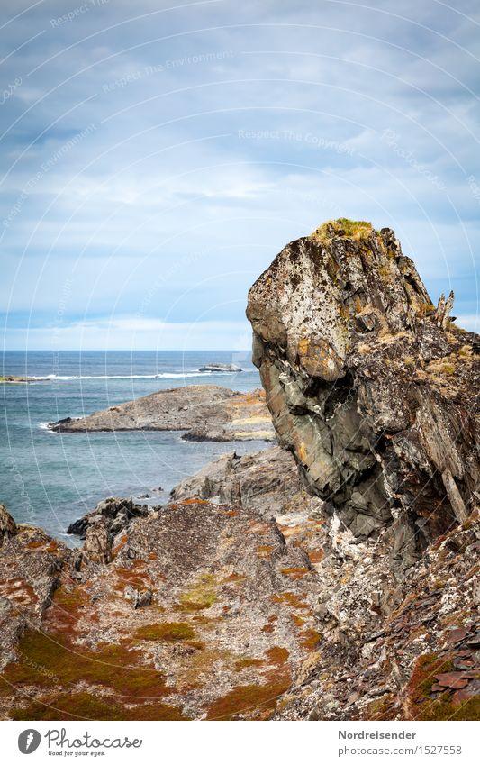Wächter.... Himmel Natur Ferien & Urlaub & Reisen Wasser Meer Landschaft Einsamkeit Wolken Ferne Küste außergewöhnlich Zeit Stein Felsen Horizont Schönes Wetter