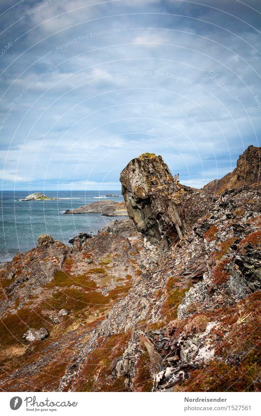 Märchen | Vom Troll und dem Licht Himmel Natur Ferien & Urlaub & Reisen Meer Landschaft Einsamkeit Wolken Ferne dunkel Küste außergewöhnlich Felsen warten