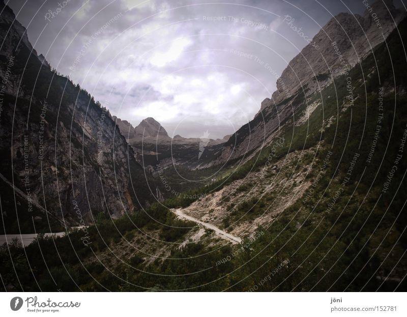 Tal der Träume Natur Pflanze Ferne Erholung Berge u. Gebirge Freiheit Wege & Pfade Luft wandern groß Alpen Bergsteigen Tal Ausdauer zielstrebig