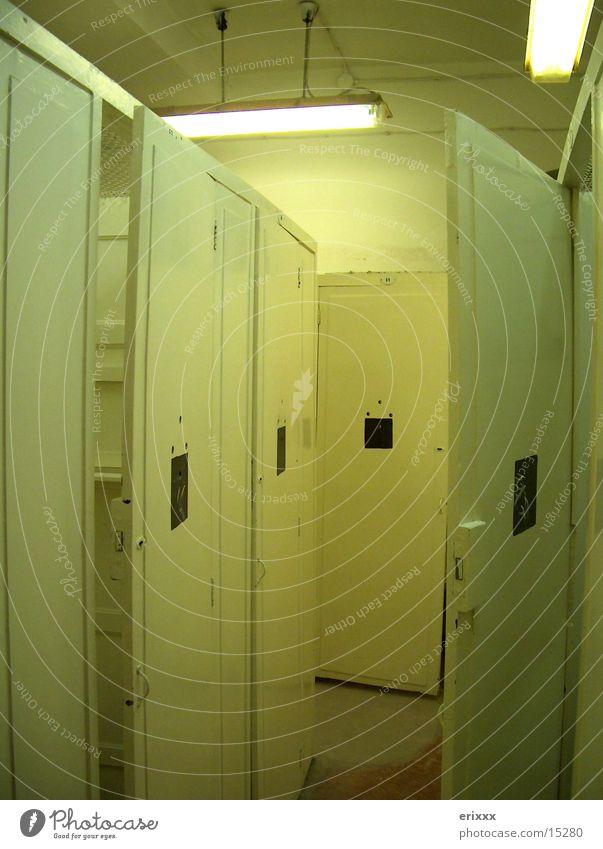 Umkleide <-> Einzelzelle Raum Europa Justizvollzugsanstalt Umkleideraum Heisse Quellen