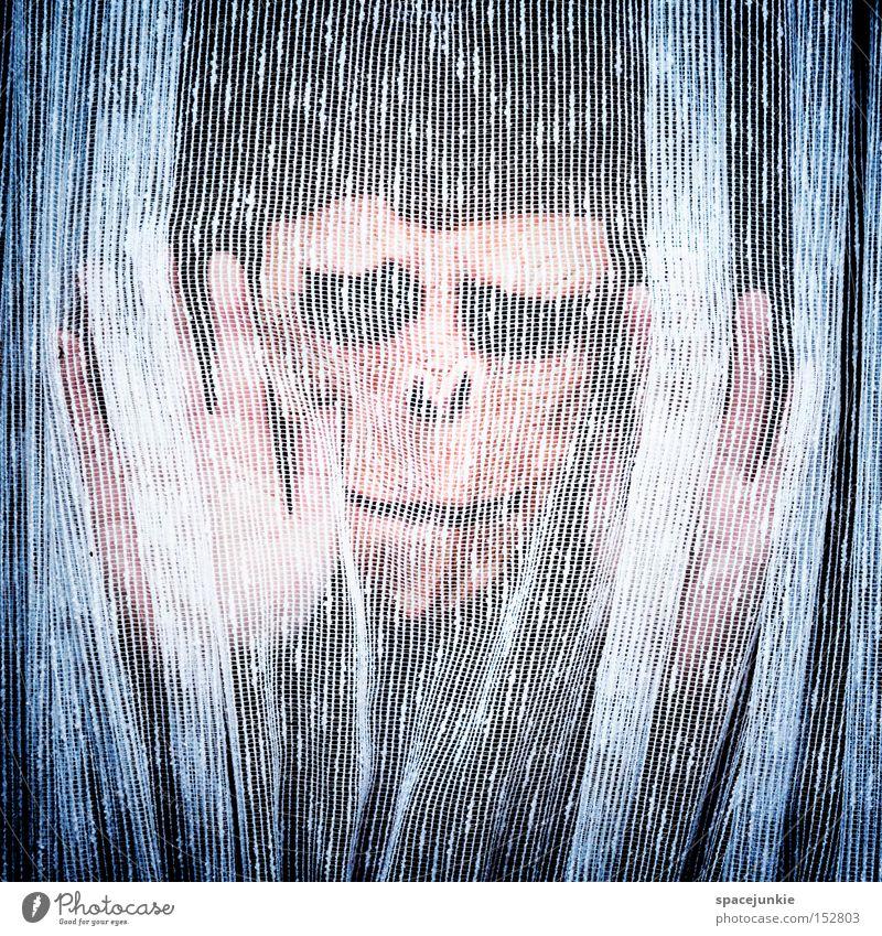 Behind the curtain (2) Mensch Fenster Angst geheimnisvoll Stoff Vorhang hängen Panik Affen Gardine Entsetzen privat Sichtschutz