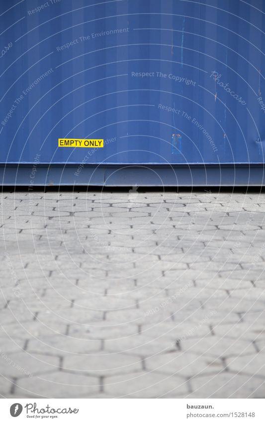 empty only. blau Straße Wege & Pfade grau Linie Metall Arbeit & Erwerbstätigkeit Verkehr Schriftzeichen Beton Industrie Streifen Güterverkehr & Logistik Hafen Wirtschaft Schifffahrt