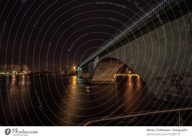 Nachts an der Brücke Handwerk Baustelle Architektur Landschaft Wasser Himmel Nachthimmel Stern Wellen Küste Flussufer Menschenleer Bauwerk Verkehr Verkehrswege