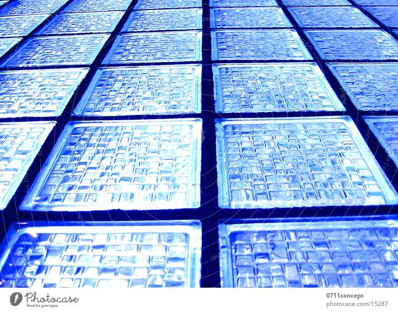 Glasswand blau Fenster Architektur Lichteinfall Schemata Matrix Glasbaustein