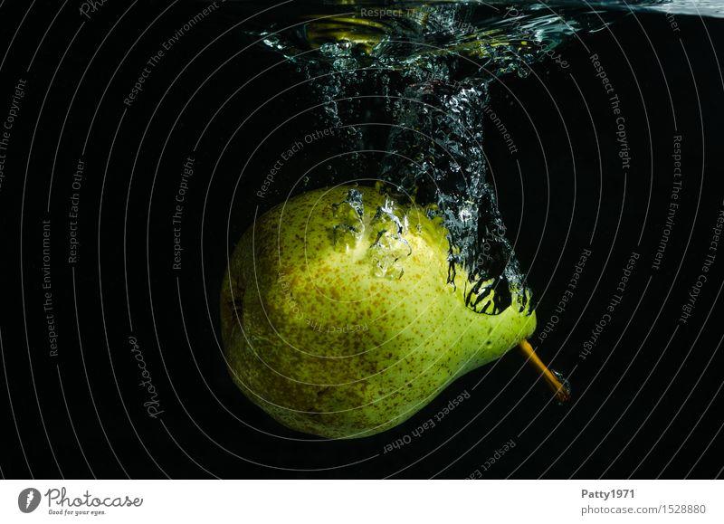 Birne Frucht Bioprodukte Vegetarische Ernährung Diät Trinkwasser Gesunde Ernährung frisch Gesundheit lecker nass natürlich grün genießen Wasser Luftblase