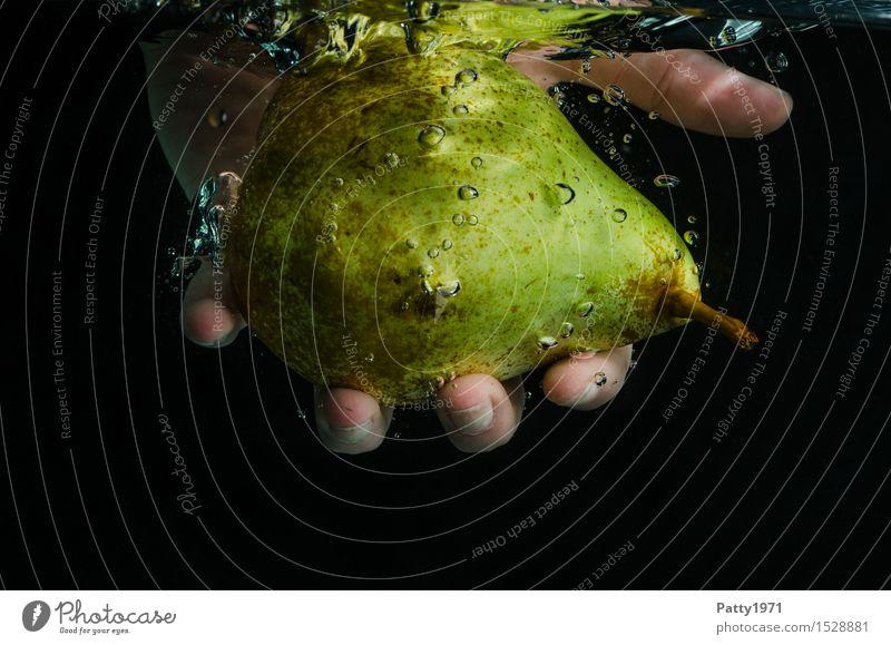 Birne grün Wasser Gesunde Ernährung natürlich Gesundheit Lebensmittel Frucht frisch genießen Trinkwasser nass Reinigen lecker Bioprodukte Vegetarische Ernährung