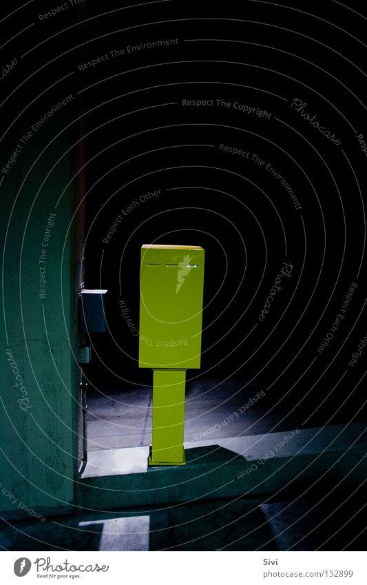 allone Einsamkeit gelb dunkel Park hell Hoffnung Kasten Verkehrswege bezahlen Dienst Einfahrt Eintrittskarte Fahrkarte