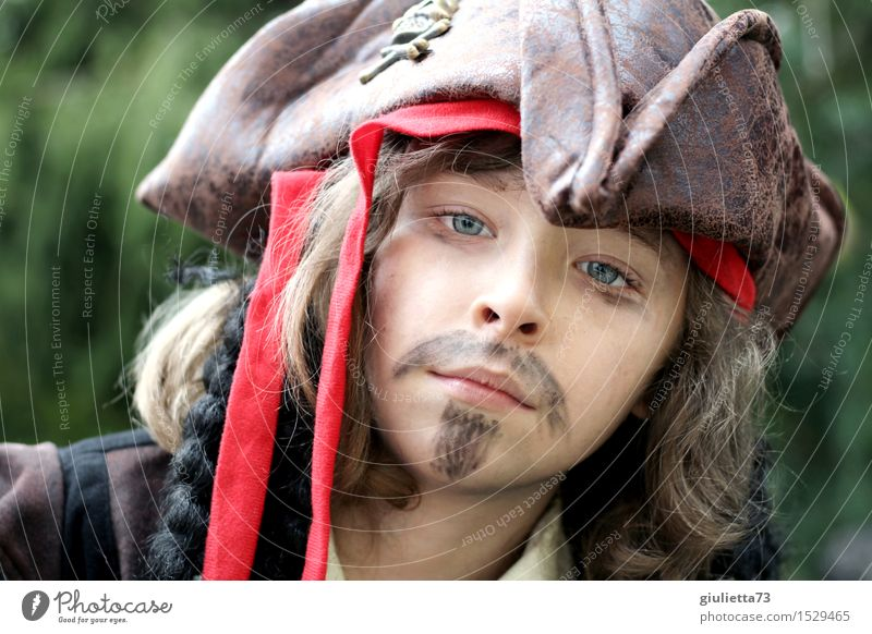 Schau mir in die Augen... Spielen Kinderspiel Karneval maskulin Junge Kindheit Kopf 1 Mensch 3-8 Jahre 8-13 Jahre Hut Pirat Haare & Frisuren langhaarig