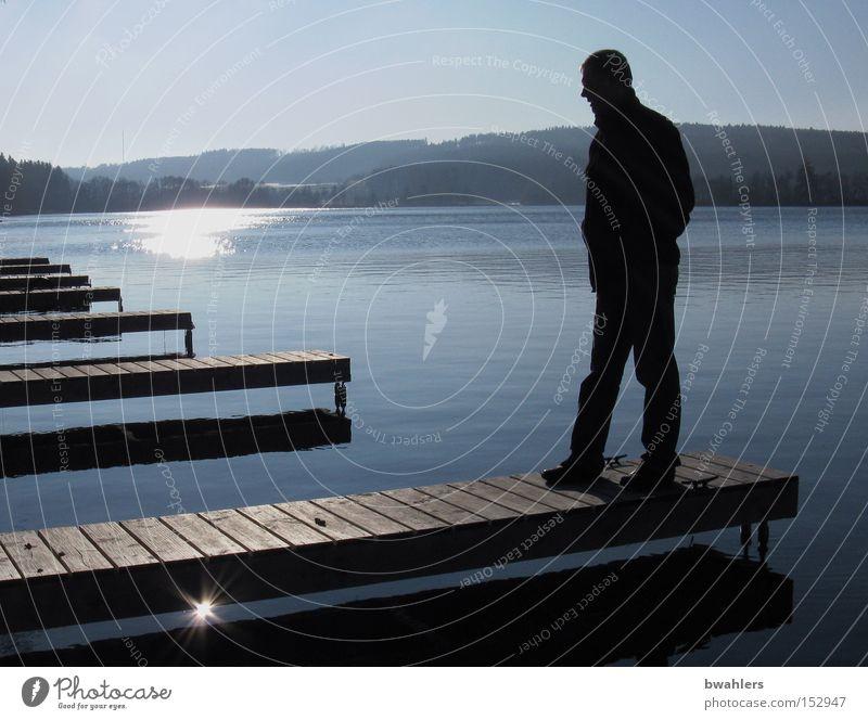 Winter-Ruhe Mann Wasser Himmel Sonne blau ruhig kalt Berge u. Gebirge See Landschaft Stimmung Frieden Steg Mensch Dezember