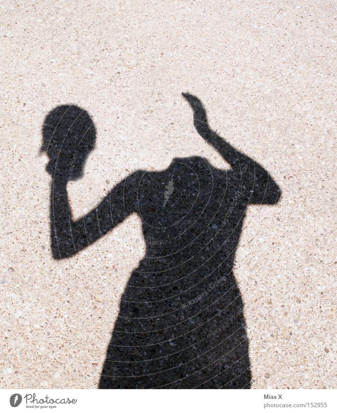 Kopflos Frau Hand Erwachsene Straße Wege & Pfade verrückt skurril Geister u. Gespenster Silhouette vergessen kopflos Schattenspiel Licht Erscheinung Spuk