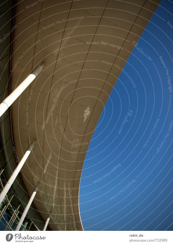 2009 die Kurve kriegen Himmel blau Freude grau Beton Industrie rund Dach Verkehrswege Kurve Säule Konstruktion Biegung krumm Rutsche Aufschwung