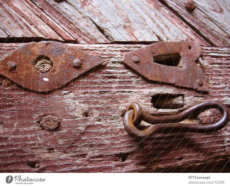 Schloss alt Holz Metall Tür geschlossen offen Häusliches Leben Burg oder Schloss Rost historisch Schlüssel