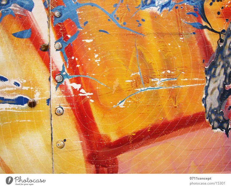 Colour is lust rot gelb Farbe Hintergrundbild Industrie Blech Niete