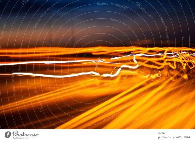 Scharfe Kurven Nachtleben Straße Autobahn fahren Geschwindigkeit gelb Farbe Strahlung Elektrizität unterwegs verrückt Wahnsinn Experiment Linie Farbfoto