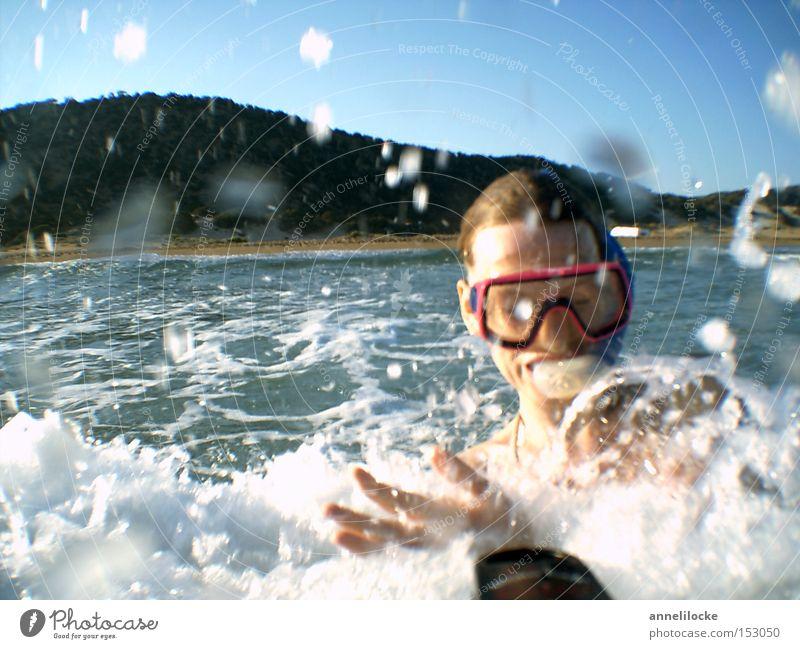 ich will sommer !!! Frau Jugendliche Ferien & Urlaub & Reisen Sommer Meer Freude Strand Gesicht Erwachsene Kopf Glück Wellen Freizeit & Hobby Schwimmen & Baden Haut Abenteuer