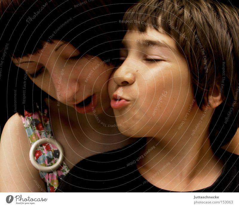*300* Gib Küsschen Kind Mädchen Frau Junge Küssen mögen Gute Laune Freude Liebe Geschwisterfröhlich Juttaschnecke Jugendliche