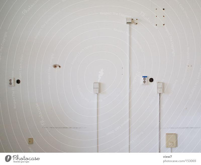Medien Wand Mauer Anschluss Dose Putz Kabel Kabelsalat Muster Strukturen & Formen Ordnung Dienstleistungsgewerbe Stoff weiß Detailaufnahme obskur