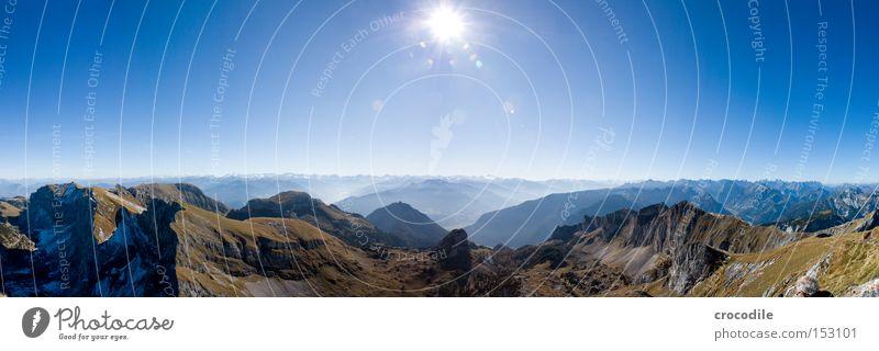 Sunny day Sonne Ferien & Urlaub & Reisen Schnee Herbst Wiese Berge u. Gebirge groß Horizont Felsen Klettern Alpen Gipfel Alpen Österreich Bergsteigen Panorama (Bildformat)