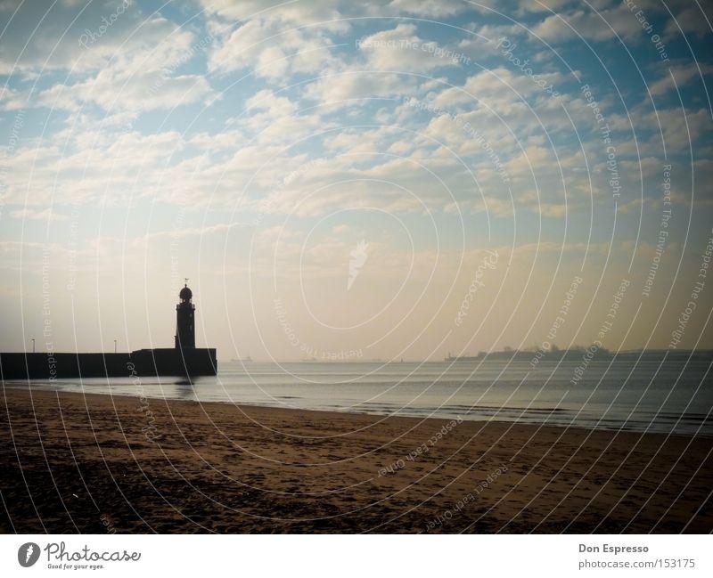 Heimathafen Leuchtturm Strand Hafen Schifffahrt Bremerhaven Lampe Beleuchtung Licht Wasserfahrzeug Wolken Himmel Küste Meer See Laterne Sand Sandstrand Ebbe
