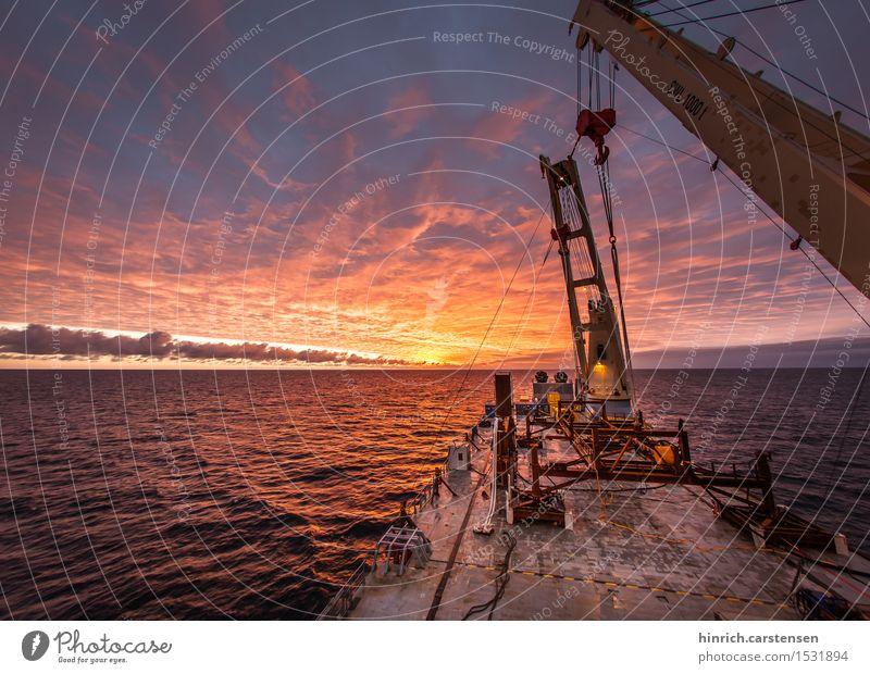Offshore Baustelle Energiewirtschaft Technik & Technologie Erneuerbare Energie Windkraftanlage Wasser Wolken Sonnenaufgang Sonnenuntergang Wellen Nordsee Meer
