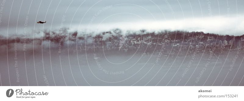 Himmel Wolken Berge u. Gebirge Luft fliegen Sicherheit Luftverkehr Rettung Atmosphäre Hubschrauber Fluggerät Wolkenband Rettungshubschrauber