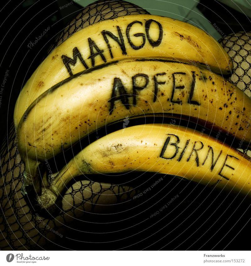 Obstsalat. Freude Ernährung Lebensmittel Humor lustig Frucht Apfel Gastronomie genießen lecker Vitamin Witz Banane Birne Mango
