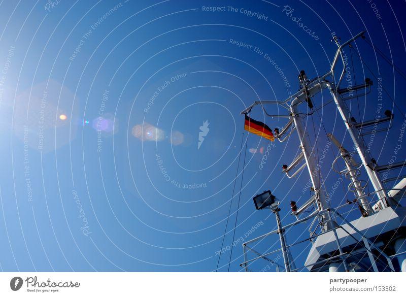 schwarz-rot-blau gold Meer Himmel Sonne Wasserfahrzeug Fähre Ostsee Deutschland Deutsche Flagge Dänemark Fahne Kommunizieren Europa Schifffahrt