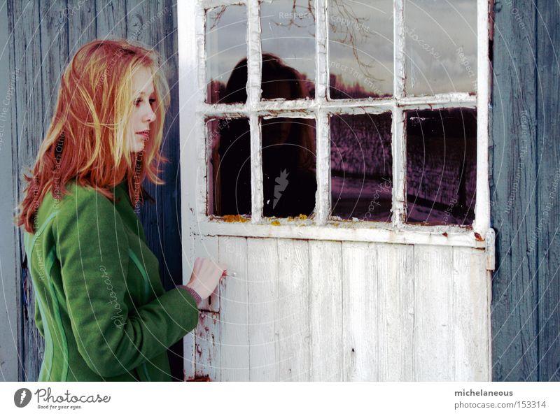 zweifelt. schön weiß grün rot Winter Farbe Haare & Frisuren Tür ästhetisch Hütte türkis Eingang zögern