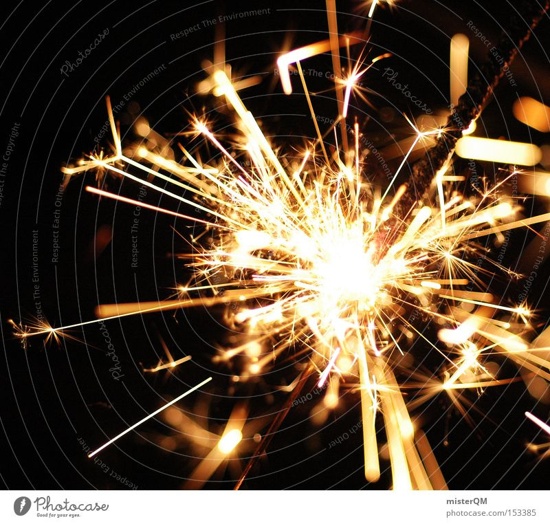 Silvesterparty - Alles Gute fürs neue Jahr Silvester u. Neujahr Freude Funken zünden zündend explosiv Wunderkerze Brand Feuer brennen verbrannt heiß gefährlich