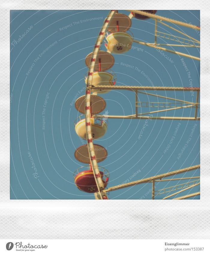 [HL 12.08] Riesenrad Himmel blau gelb Freizeit & Hobby Jahrmarkt Polaroid Anschnitt Riesenrad Fahrgeschäfte