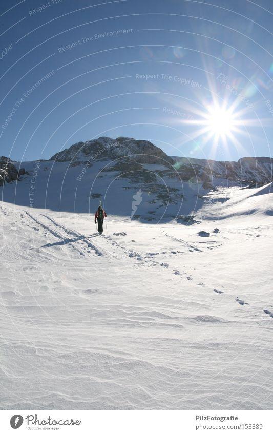 Skitour Himmel Sonne Winter Berge u. Gebirge Schnee Sport Felsen Eis wandern Gipfel Skifahren Skier Fußspur Gletscher Wintersport Skitour