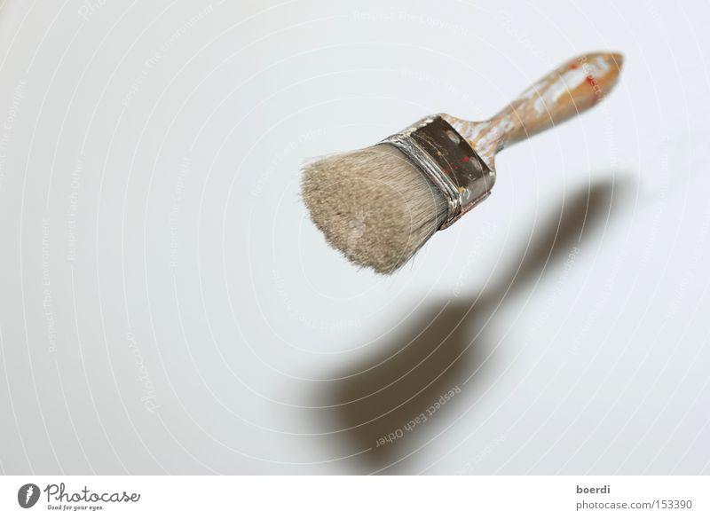 fOkus pokus weiß Kunst fliegen frei Freizeit & Hobby streichen außergewöhnlich Handwerk zeichnen malen skurril Werkzeug Schweben Pinsel Zauberei u. Magie UFO