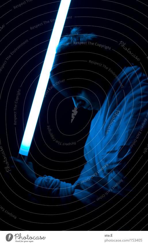 Jedi-Ritter Mensch blau schwarz dunkel Macht Filmindustrie Theaterschauspiel Kino Umhang Meister Schwert Duell Kämpfer Science Fiction Laserschwert