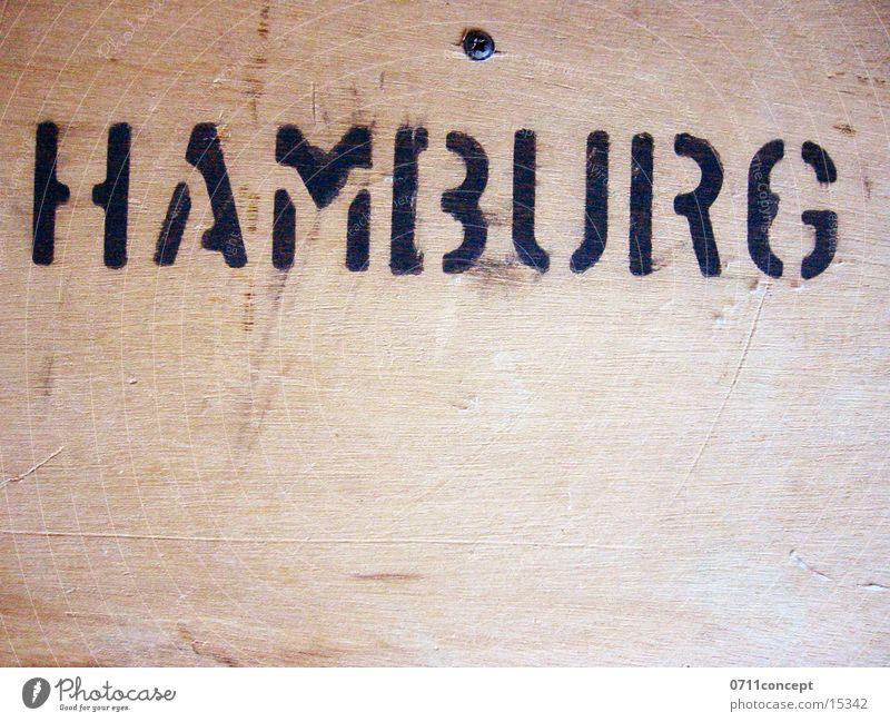 Hamburg Holz Schriftzeichen Handwerk Lautsprecher Typographie Kiste
