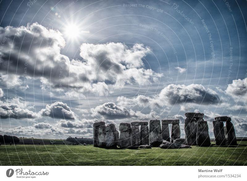 Stonehenge Natur Himmel Wolken Sonne Sonnenlicht Ferien & Urlaub & Reisen Großbritannien England Steinkreis mystisch Farbfoto Außenaufnahme Menschenleer