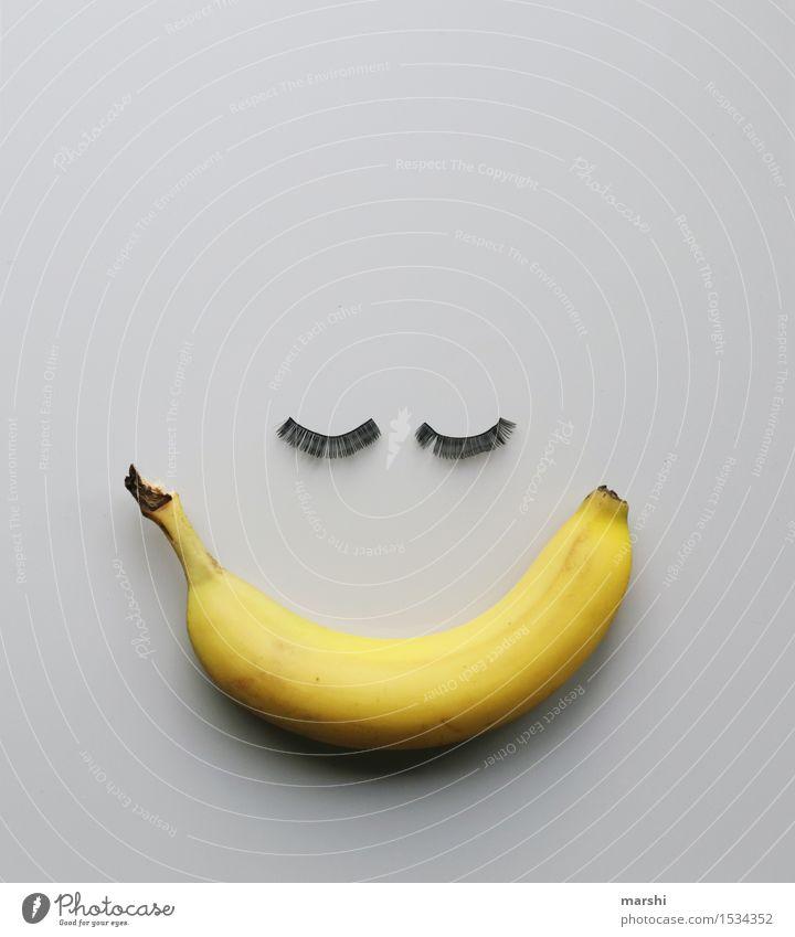 Miss Banana Lebensmittel Frucht Ernährung Essen feminin Accessoire Gefühle Stimmung Wimpern lustig Idee Banane Lächeln lachen süß Snack schön gelb Kreativität