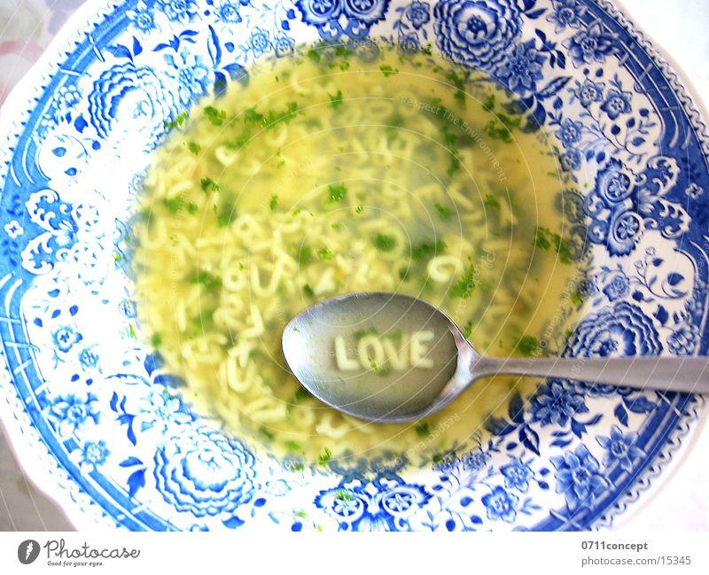 Buchstabensuppe 4 Lovers Suppe Nudelsuppe Löffel lecker Teller Liebe gehen Magen Vollkorn Herzenslust Mittag Pause Liebeskummer schwäbisch tief Vesper