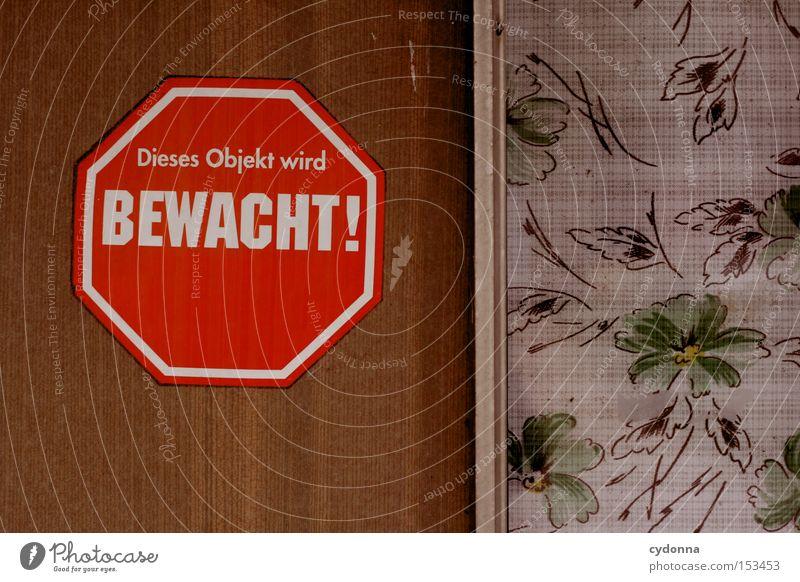 Lieber Einbrecher ... Schilder & Markierungen Zweck Funktion Kommunizieren Detailaufnahme Hinweisschild Warnhinweis Schriftzeichen Zeichen Tür rot bewachen