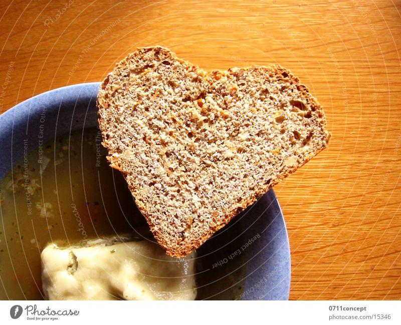 Gegen den Hunger! Suppe Brot gehen Magen Vollkorn Herzenslust Mittag Pause Liebeskummer Maultasche schwäbisch tief Teller Vesper Abendessen Sorge Hoffnung Tisch