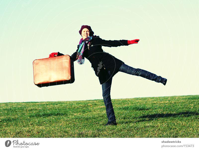 Auf Reise geh'n Frau Freude Ferien & Urlaub & Reisen Wiese Freiheit Freizeit & Hobby Mensch Koffer unterwegs Akrobatik