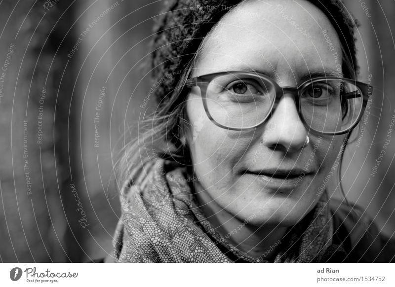 Auf dem selben Weg. maskulin Junge Frau Jugendliche Erwachsene Kopf Haare & Frisuren 1 Mensch 30-45 Jahre Natur Winter Eis Frost Wald Piercing Brille Schal
