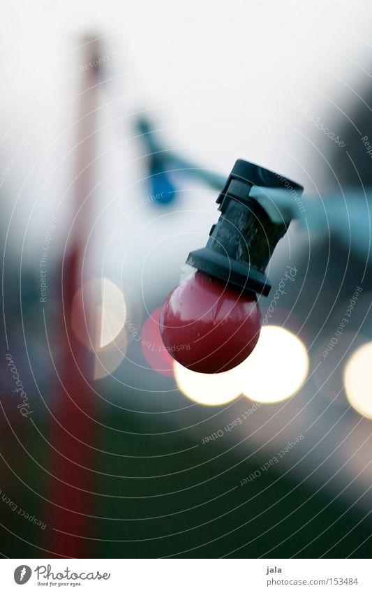 entlang der straße rot Winter Einsamkeit Straße dunkel Beleuchtung KFZ Technik & Technologie Verkehrswege Glühbirne Lichterkette Feierabend Elektrisches Gerät
