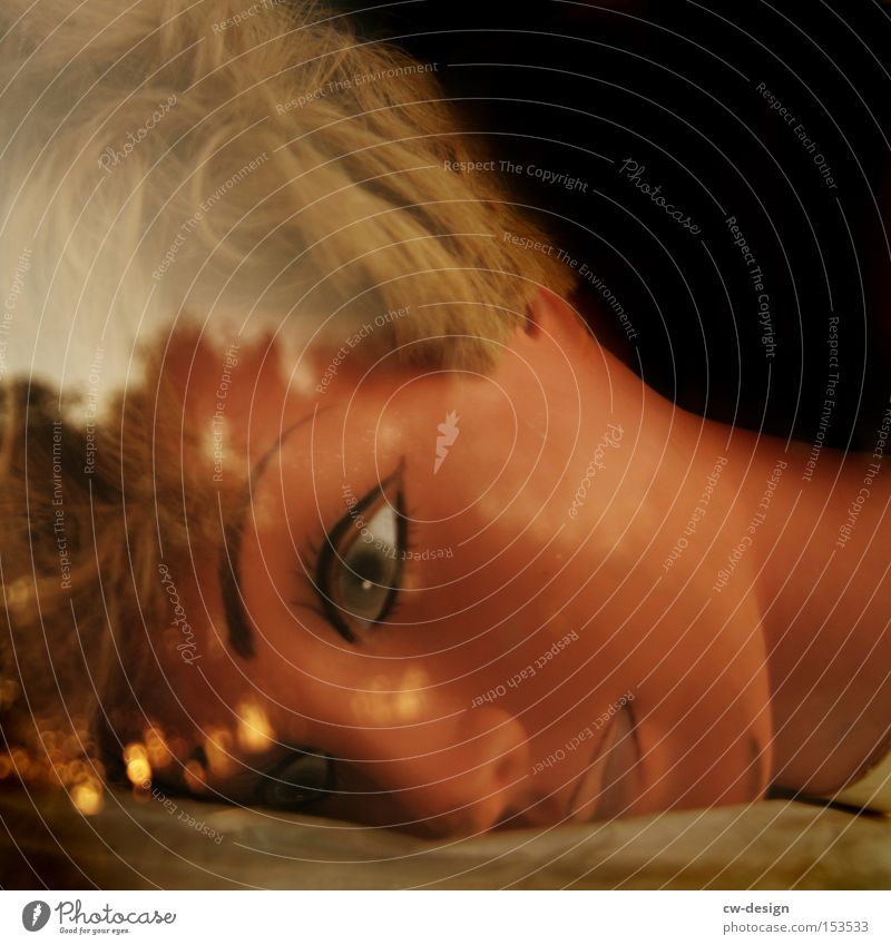 WEISSER FLECK Puppe Gesicht Schaufensterpuppe Reflexion & Spiegelung Auge Frau schön ästhetisch feminin Langeweile Ausstellung Messe dolly
