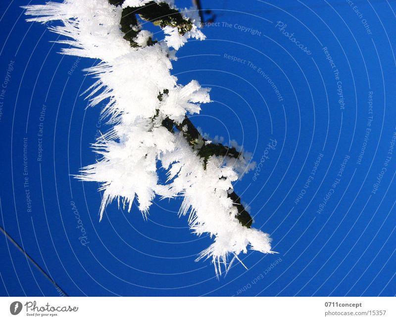 Eiskristalle 01 Ferien & Urlaub & Reisen blau Winter kalt Graffiti Schnee Horizont leer gefährlich Spitze bedrohlich Jahreszeiten gefroren unten Adjektive