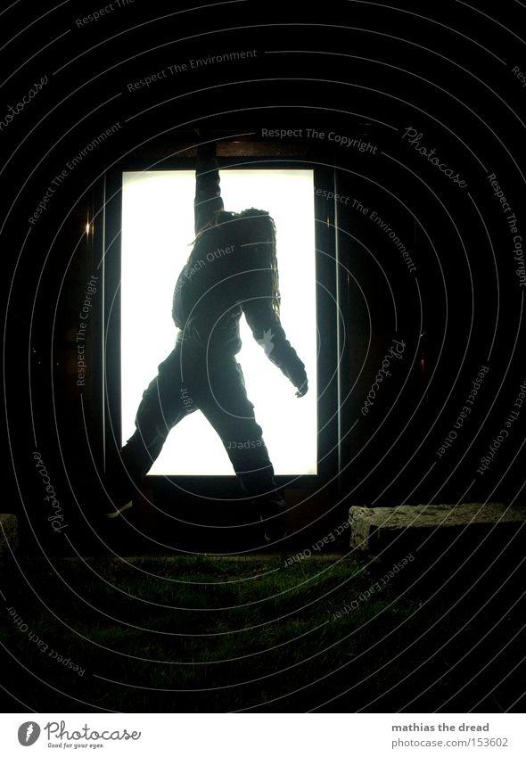 BLN 08 | UPSIDE-DOWN III Mann weiß schwarz oben Haare & Frisuren gefährlich Rasen Klettern Quadrat skurril hängen Geometrie verkehrt Extremsport