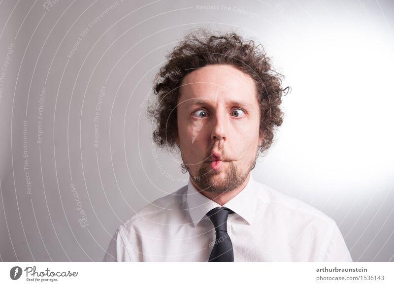 Verrückter Mann Mensch Jugendliche Junger Mann Freude Gesicht Erwachsene Leben lustig Feste & Feiern Haare & Frisuren maskulin Erwachsenenbildung Student Medien