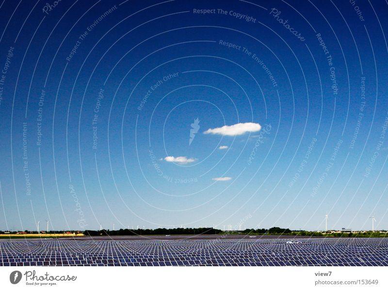 Solar Himmel blau Sommer Umwelt Energie Energiewirtschaft modern Elektrizität Zukunft Technik & Technologie authentisch einfach Sonnenenergie Schönes Wetter
