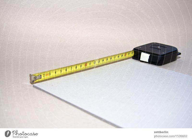 Ungefähr zweiundzwanzig Zentimeter Maßband Zollstock Werkzeug messen Messinstrument Handwerk Lineal Skala Länge breit Breite Größe DIN Papier DIN A 4 leer