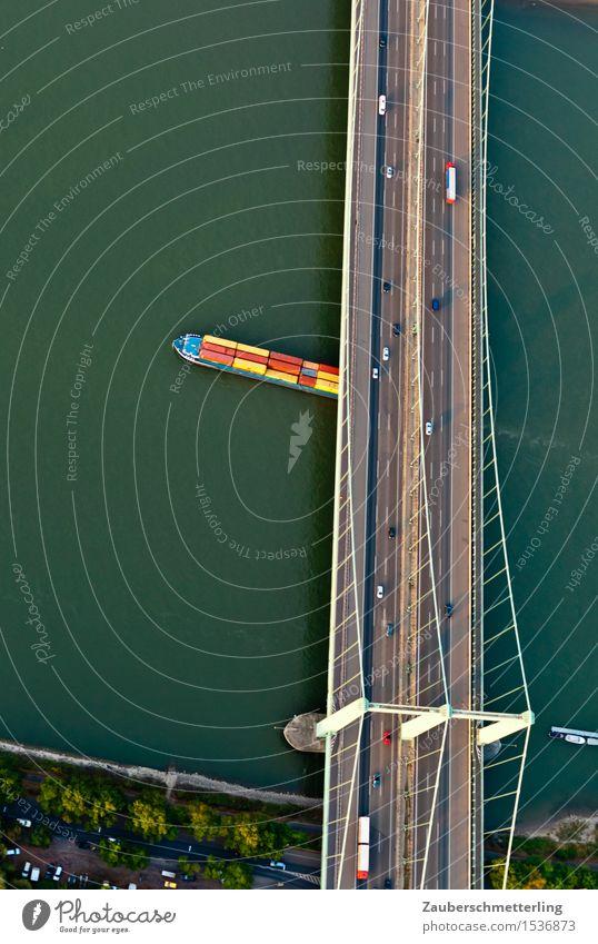 Stadt Land Fluss Brücke Verkehrsmittel Verkehrswege Autobahn Binnenschifffahrt Containerschiff fahren gelb grün rot Höhenangst Flugangst Güterverkehr & Logistik